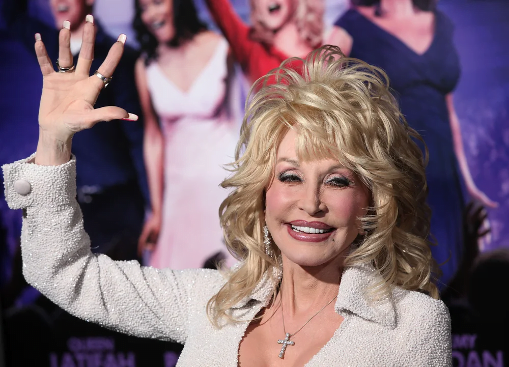 For the first time ever, Dolly Parton has shown her natural hair